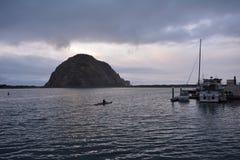 皮艇在风暴日 免版税库存图片