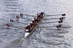 皮茨福德乘员组在查尔斯赛船会妇女的青年时期Eights头赛跑  免版税图库摄影