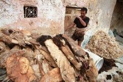皮革厂工作者 免版税库存图片