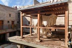 皮革干燥在皮革厂 菲斯摩洛哥 免版税库存照片