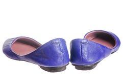 皮革平的鞋子 库存图片