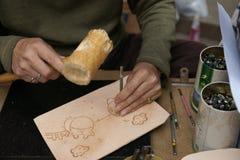 皮革雕刻。 免版税库存图片