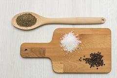 盐、胡椒和牛至 免版税库存图片