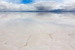盐六角形在湖撒拉族de Uyuni 免版税库存图片