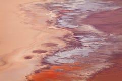 盐和矿物在死亡谷的lovest部分 免版税库存照片