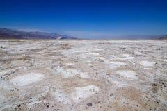 盐平在恶水盆地inÂ死亡谷国家公园一 库存图片