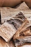 盐渍鳕鱼片断待售在一个市场上在里斯本 图库摄影