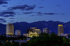 盐湖城夜地平线  免版税库存照片