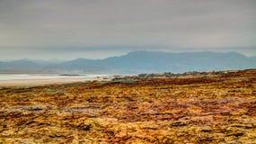 盐溶在Dallol火山的火山口里面的纹理, Danakil消沉,在远处,埃塞俄比亚 免版税库存图片