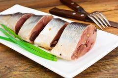 盐用卤汁泡的鲭鱼用蔓越桔和香料 库存照片