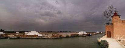 盐矿在特拉帕尼,西西里岛 免版税库存图片