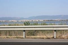 盐舱内甲板的看法从路的 地点卡利亚里,撒丁岛 免版税库存图片