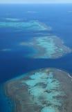 盐水湖环礁现象附近的Ile des别针鸟瞰图,新喀里多尼亚 免版税库存图片