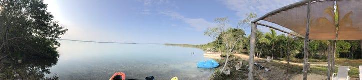 盐水湖的边界,松弛方式 免版税库存图片