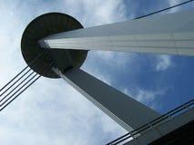监视塔的底视图 免版税库存图片