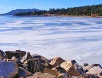 盖大熊湖的冬天雪和冰 免版税库存图片
