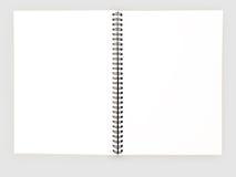 盖子设计学校企业日志的现实空白的笔记本模板 免版税库存图片