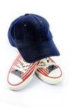 盖帽和鞋 免版税库存图片