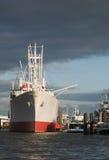 盖帽圣地亚哥在汉堡港口  免版税库存照片