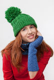 盖帽的美丽的女孩 免版税库存图片