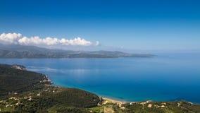 盖帽Corse和沙漠des Agriates海岸在可西嘉岛 库存照片