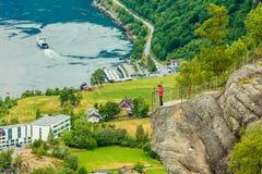 盖朗厄尔峡湾和Geiranger村庄在挪威 库存图片