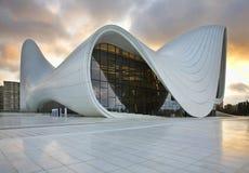 盖达尔・阿利耶夫中心在巴库 阿塞拜疆 免版税库存图片