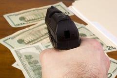 盗案在办公室 免版税库存图片