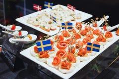 盘子用各种各样的可口开胃菜 免版税库存照片