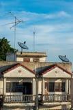 盘屋顶卫星 免版税库存图片