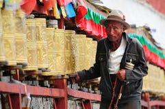 盘旋宫殿香客potala藏语 库存图片