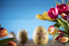 盘旋您色的复活节彩蛋eps10空间文本主题的向量 免版税图库摄影