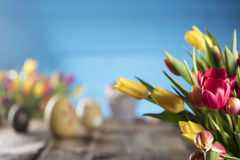 盘旋您色的复活节彩蛋eps10空间文本主题的向量 库存图片