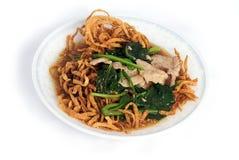 盘油煎的小汤面条米混乱 免版税图库摄影