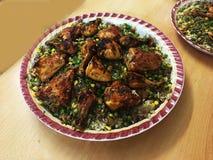 盘用米和鸡肉 库存照片