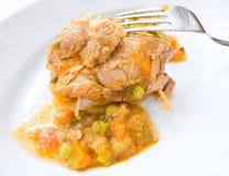 盘肉肉卷汤菜白色 免版税库存照片