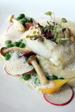盘鱼美食 库存图片