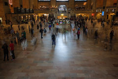 盛大中央主要广场的人们  免版税库存图片