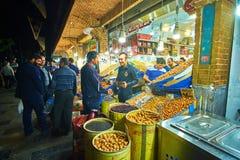 盛大义卖市场的胡说的商店在德黑兰,伊朗 库存图片