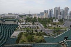 从盛大人民屋顶的平壤学习议院 免版税库存照片