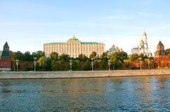 盛大克里姆林宫宫殿和克里姆林宫的教会 莫斯科俄国 库存照片