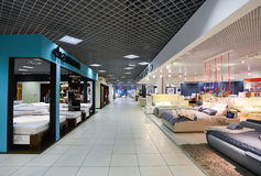 盛大内部家具的商业区 家具盛大的商城-最大的名牌货商店 库存图片