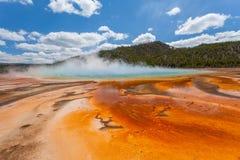 盛大多彩水池 免版税库存图片
