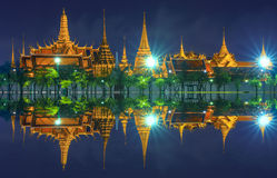 盛大宫殿在雨天 免版税库存图片