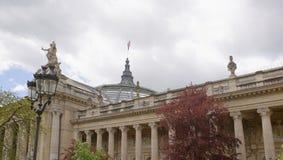盛大宫殿是在st的一个庄严建筑大厦 免版税库存图片