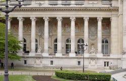 盛大宫殿是在st的一个庄严建筑大厦 库存图片