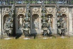 盛大小瀑布在Herrenhausen庭院,巴洛克式的庭院, esta里 库存照片