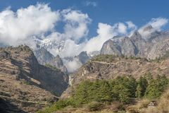 盛大山峡谷在喜马拉雅山的心脏 免版税库存照片