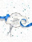 盛大开幕式与蓝色丝绸丝带和剪刀的邀请卡片 库存照片