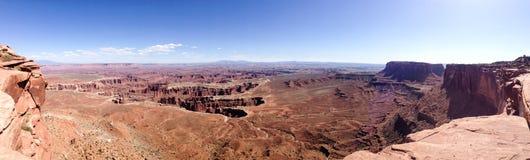 盛大观点忽略全景, Canyonlands,蓝天 免版税库存图片